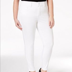 Melissa McCarthy Seven7 White Pencil Jeans